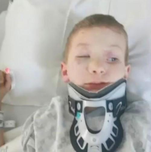 Cậu nhóc 7 tuổi liều lĩnh ăn cắp xe hơi rồi tự lái để tới gặp mẹ - Ảnh 2.