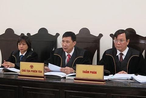 Chủ tọa phiên tòa xét xử ông Đinh La Thăng và đồng phạm từng là chủ tọa vụ án có 724 bị hại - Ảnh 2.