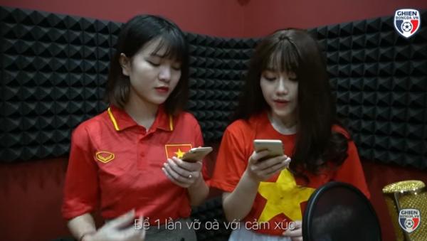 Nữ CĐV xinh đẹp từng gây 'bão mạng' cover Người lạ ơi để cổ vũ U23 Việt Nam - Ảnh 2.