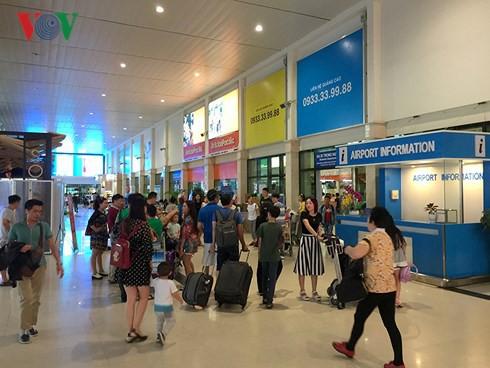 Cảng hàng không Tân Sơn Nhất lưu ý hành khách dịp Tết Nguyên đán 2018 - Ảnh 1.