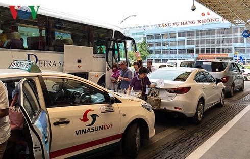 Cảng hàng không Tân Sơn Nhất lưu ý hành khách dịp Tết Nguyên đán 2018 - Ảnh 2.