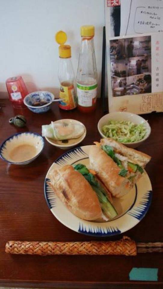 Nhà hàng Việt cực chất giữa thủ đô Tokyo: Mang cả xích lô, xe đẩy bánh mì, cốc thủy tinh từ Việt Nam sang! - Ảnh 11.
