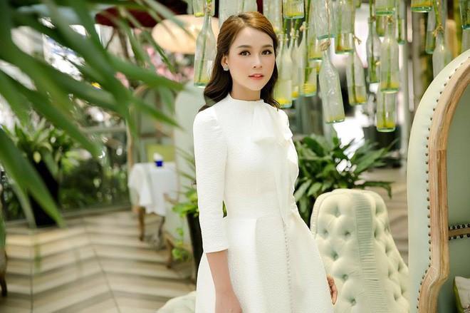 Tuổi 27 rực rỡ của Sam - cựu hot girl số 1 Sài Thành: Có trong tay 2 triệu USD, độc thân không thuộc về ai - Ảnh 14.