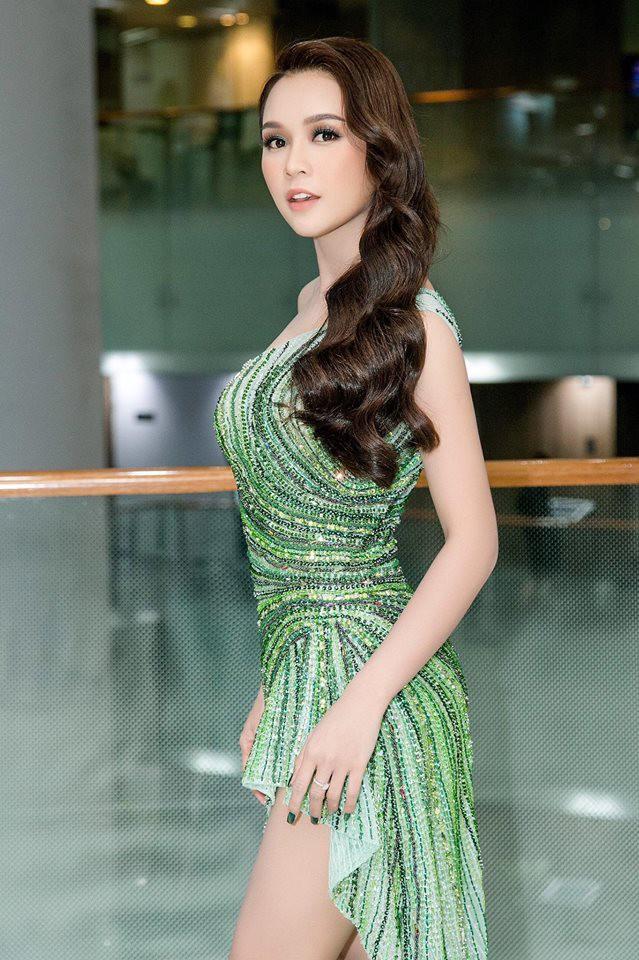 Tuổi 27 rực rỡ của Sam - cựu hot girl số 1 Sài Thành: Có trong tay 2 triệu USD, độc thân không thuộc về ai - Ảnh 15.