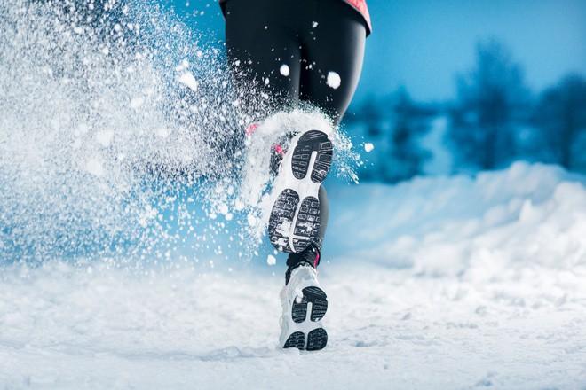 Tập thể dục ngoài trời lạnh giúp bạn đốt cháy nhiều calo hơn? Đây là câu trả lời bất ngờ của khoa học - Ảnh 2.