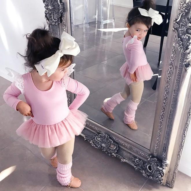 Cuộc sống xa xỉ của bé gái đẹp tựa thiên thần với tủ đồ hiệu mà mọi người lớn phải mơ ước - Ảnh 22.