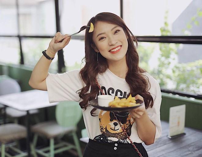 Cô nàng Khánh Vy 7 thứ tiếng vừa ẵm thêm danh hiệu Sinh viên 5 tốt của thành phố Hà Nội - Ảnh 4.