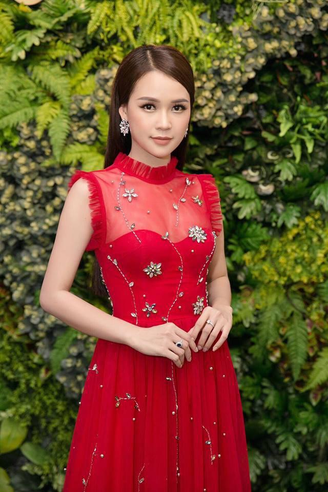 Tuổi 27 rực rỡ của Sam - cựu hot girl số 1 Sài Thành: Có trong tay 2 triệu USD, độc thân không thuộc về ai - Ảnh 5.