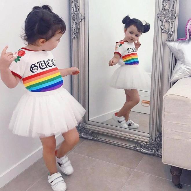 Cuộc sống xa xỉ của bé gái đẹp tựa thiên thần với tủ đồ hiệu mà mọi người lớn phải mơ ước - Ảnh 5.