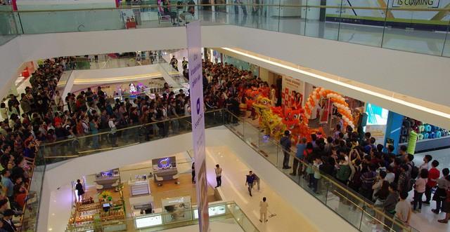 Hàng trăm người xếp hàng mua sản phẩm Xiaomi tại cửa hàng Mi Store đầu tiên tại Việt Nam - Ảnh 5.