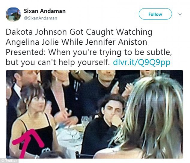 Khoảnh khắc thú vị: Angelina phản ứng khi vợ cũ Brad Pitt xuất hiện, sao 50 Sắc Thái tò mò liếc sang theo dõi - Ảnh 6.