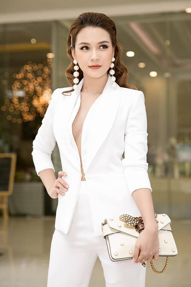 Tuổi 27 rực rỡ của Sam - cựu hot girl số 1 Sài Thành: Có trong tay 2 triệu USD, độc thân không thuộc về ai - Ảnh 7.