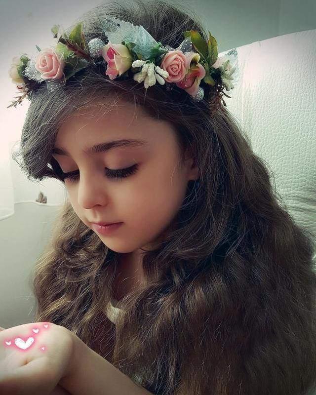 """Bé gái xinh đẹp nhất thế giới"""": Bố mẹ phải nghỉ việc, theo sát con vì sợ bị quấy rối - Ảnh 7."""