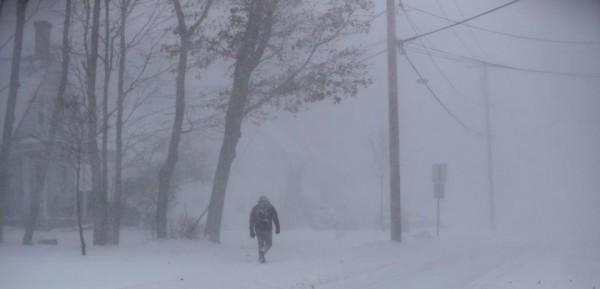 Nước Mỹ tê cứng trong 'bom bão tuyết': Người chết cóng, cá mập sốc nhiệt và hàng loạt ô tô 'biến mất' - Ảnh 7.