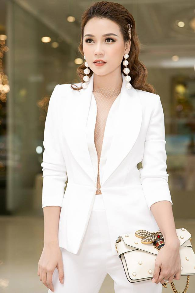 Tuổi 27 rực rỡ của Sam - cựu hot girl số 1 Sài Thành: Có trong tay 2 triệu USD, độc thân không thuộc về ai - Ảnh 8.