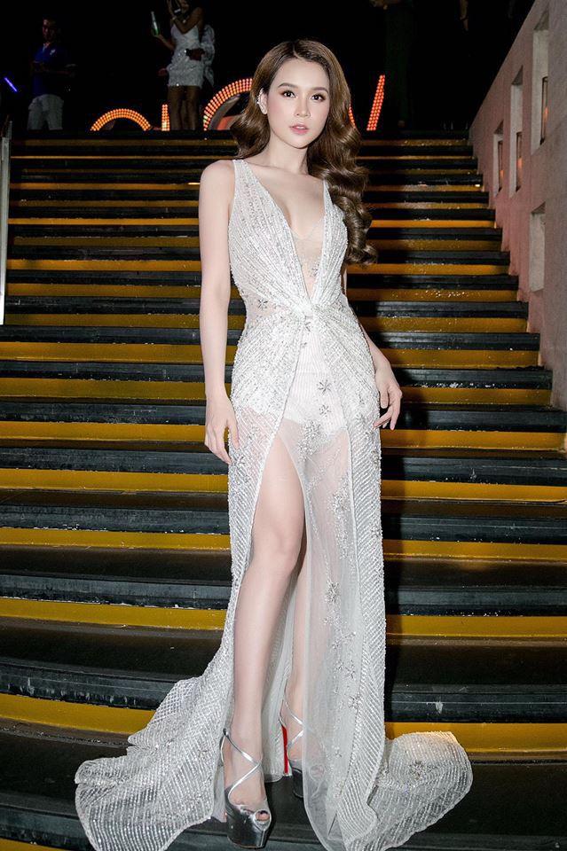 Tuổi 27 rực rỡ của Sam - cựu hot girl số 1 Sài Thành: Có trong tay 2 triệu USD, độc thân không thuộc về ai - Ảnh 10.