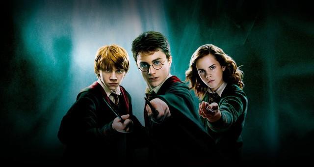 7 bộ phim chuyển thể từ tiểu thuyết đình đám: Harry Potter và The Lord of the Rings, series nào hấp dẫn hơn? - Ảnh 4.