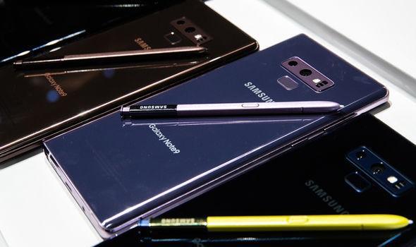 Doanh số iPhone sụt giảm, nhưng người buồn nhất lại chính là Samsung - Ảnh 2.