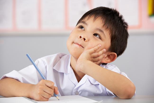 Nếu thấy con có những thói quen này cha mẹ hãy chỉnh đốn ngay vì đó chính là nguyên nhân khiến trẻ chậm phát triển - Ảnh 2.