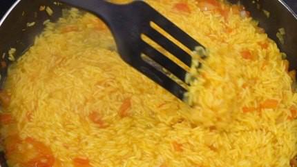 Học người Ý cách nấu cơm hải sản ngon ngất ngây ăn 1 lần là mê say - Ảnh 4.