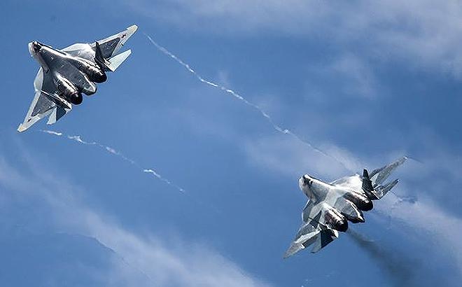 [ẢNH] Lớp sơn đặc biệt mới nhân đôi khả năng tàng hình của Su-57 - Ảnh 1.