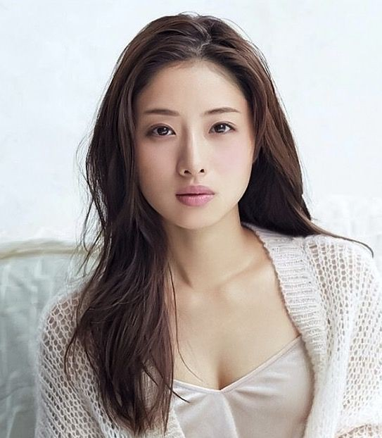 Biểu tượng sắc đẹp được hàng triệu đàn ông Nhật Bản si mê, muốn cưới làm vợ - Ảnh 3.