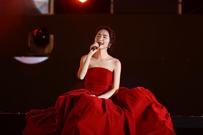 Dàn mỹ nhân tuổi Hợi sở hữu đường cong nóng bỏng của showbiz Việt - Ảnh 13.