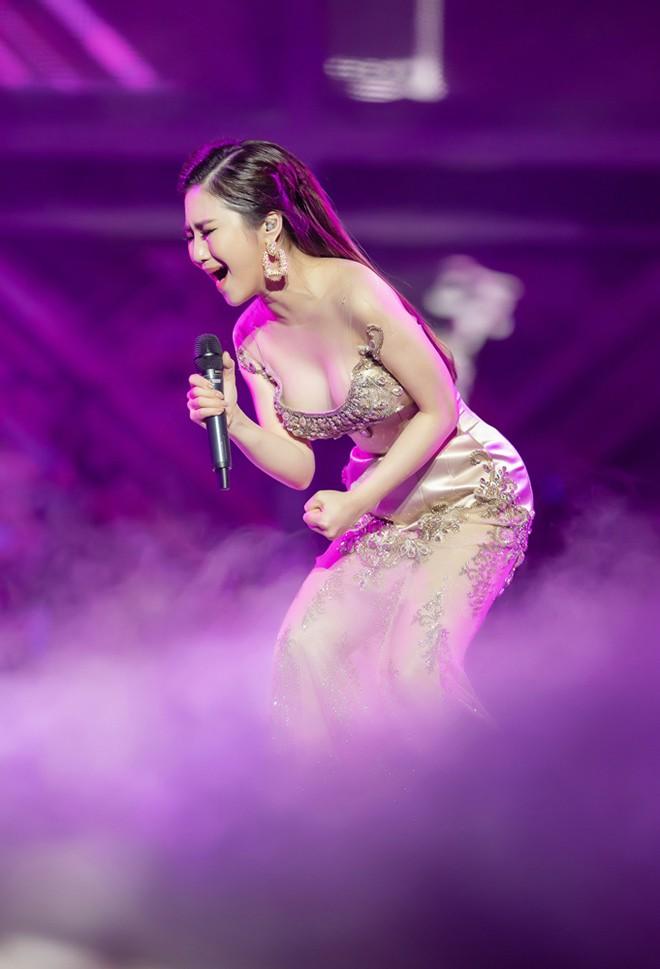 Dàn mỹ nhân tuổi Hợi sở hữu đường cong nóng bỏng của showbiz Việt - Ảnh 10.