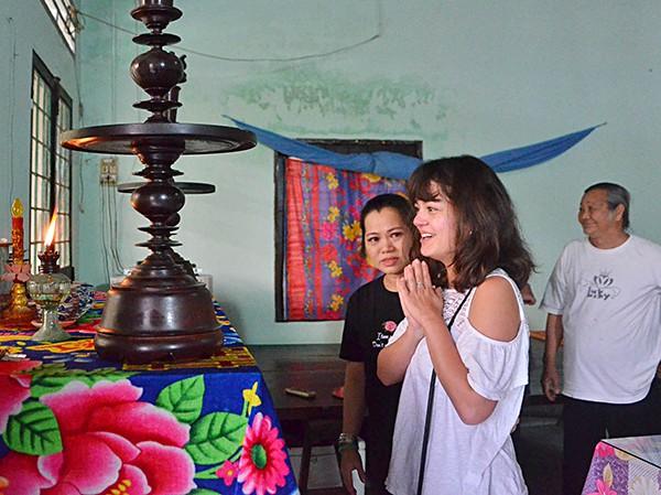 Cô gái Pháp sang Bà Rịa - Vũng Tàu tìm cha: Cuộc hội ngộ xúc động với gia đình bên nội - Ảnh 9.