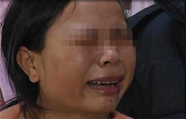 Bé trai tử vong tại tiệc mừng đầy tháng, sau khi nghe bác sĩ xác định nguyên nhân cái chết, người mẹ giận dữ tát luôn vào mặt bố chồng - Ảnh 3.