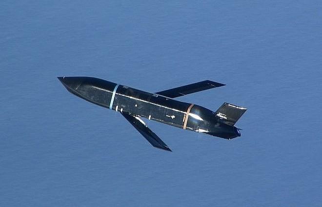 [ẢNH] Mỹ sản xuất hàng loạt tên lửa chống hạm LRASM, hải quân Nga - Trung khó lòng ngồi yên - Ảnh 11.