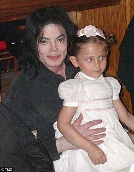 Cuộc sống đầy bi kịch của con gái Michael Jackson sau cái chết của cha - Ảnh 2.