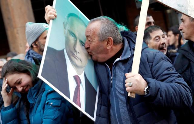 Thăm Serbia, TT Putin đã nhận được bất ngờ gì khiến ông phải thốt lên 3 chữ đáng yêu quá? - Ảnh 5.
