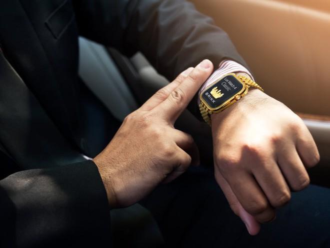 Cần tới 34 người, 80 giờ chế tác để tạo ra chiếc Apple Watch nạm kim cương trị giá 1,7 tỷ này - Ảnh 6.