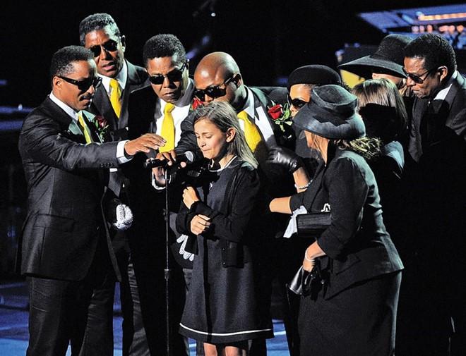 Cuộc sống đầy bi kịch của con gái Michael Jackson sau cái chết của cha - Ảnh 3.