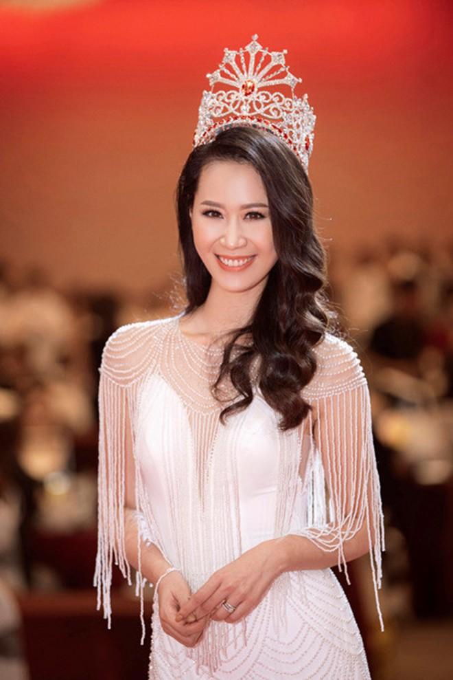 Ngắm mặt mộc không son phấn của dàn Hoa hậu Việt tuổi Hợi - Ảnh 8.