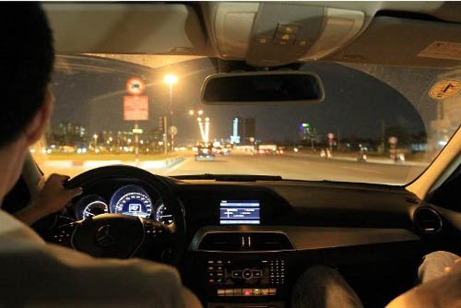Những điều cấm kỵ trong khi điều khiển ôtô - Ảnh 7.