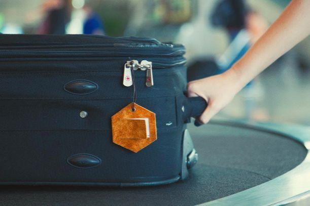 Không may thất lạc hành lý ở sân bay, đây là việc cần làm ngay nếu muốn sớm tìm lại đồ - Ảnh 1.