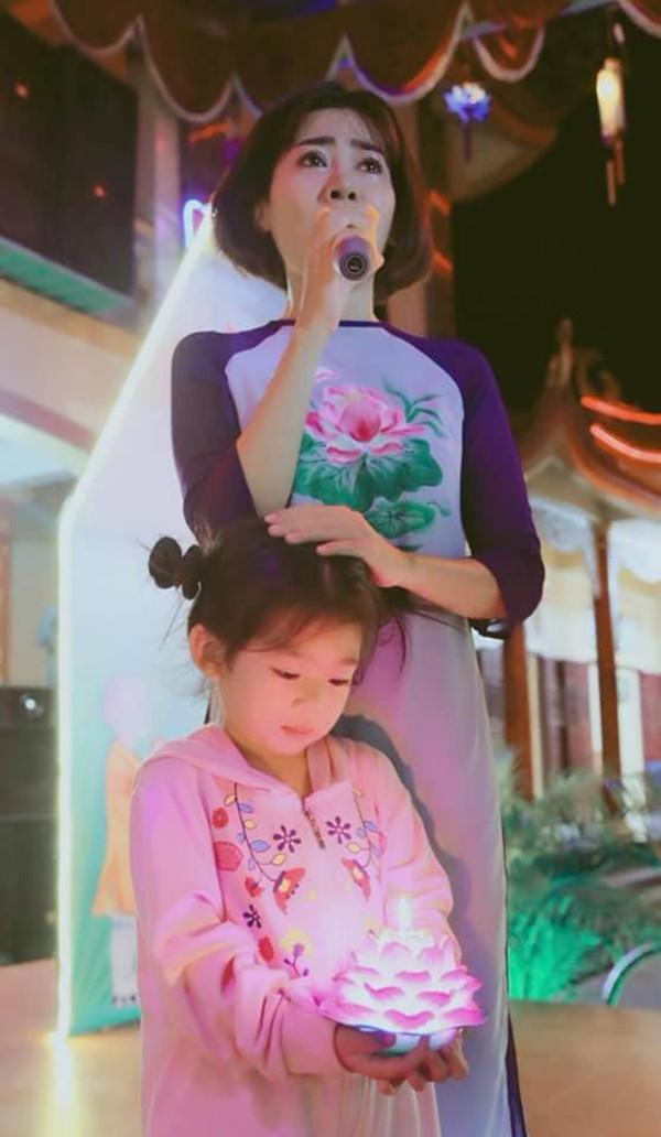 Cách ứng xử của Mai Phương và bạn trai cũ trên mạng xã hội gây chú ý - Ảnh 4.