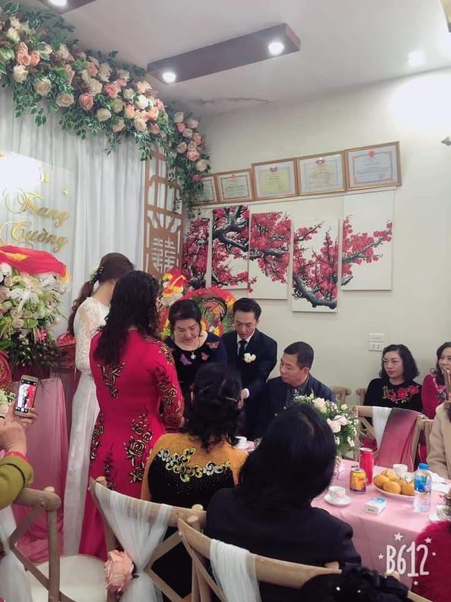 Cận cảnh hình ảnh người đàn bà thép Như Loan - mẹ ruột Cường Đô La khóc trong lễ hỏi cưới Đàm Thu Trang - Ảnh 4.