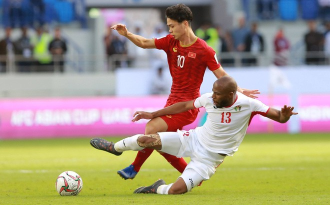 Tuyển Việt Nam nhận thưởng 2 tỷ đồng sau chiến tích vào tứ kết Asian Cup - Ảnh 1.