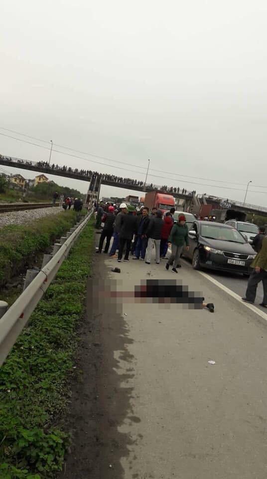 Tai nạn thảm khốc: Đoàn người đi viếng nghĩa trang liệt sĩ bị xe tải đâm, 8 người chết - Ảnh 3.