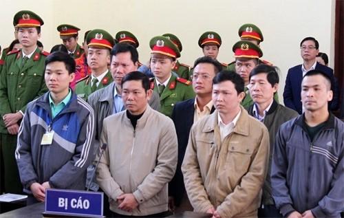 VKSND thành phố Hoà Bình cáo buộc Hoàng Công Lương có hành vi nguy hiểm làm chết 8 người - Ảnh 4.