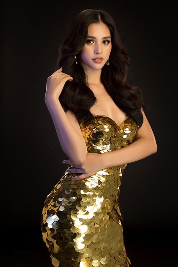Hoa hậu Tiểu Vy ngày càng chuộng mốt gợi cảm - Ảnh 11.