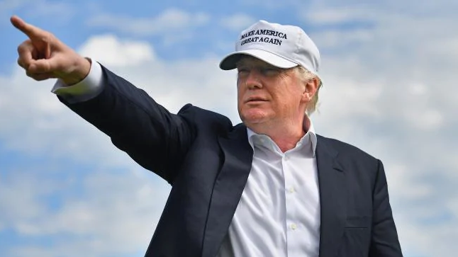 Dân Mỹ phanh phui những lần ông Trump dùng ảnh chỉnh sửa thẩm mỹ quá đà - Ảnh 3.
