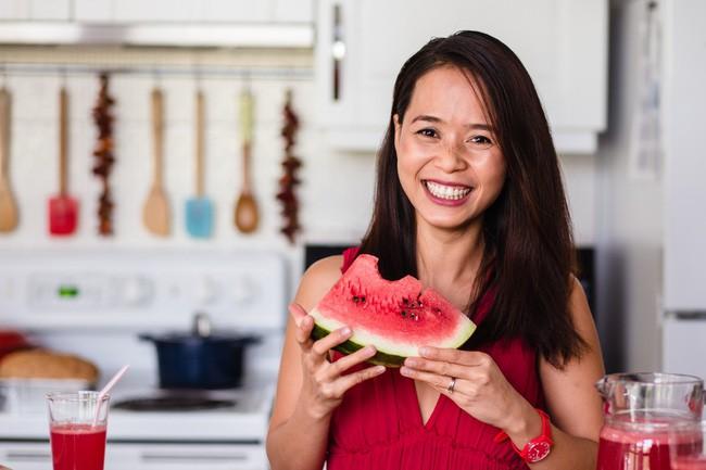 Thực đơn 10 ngày ăn sạch giúp giảm mỡ bụng, thanh lọc cơ thể của cô gái Việt nhưng là bà nội trợ kiểu Mỹ - Ảnh 2.