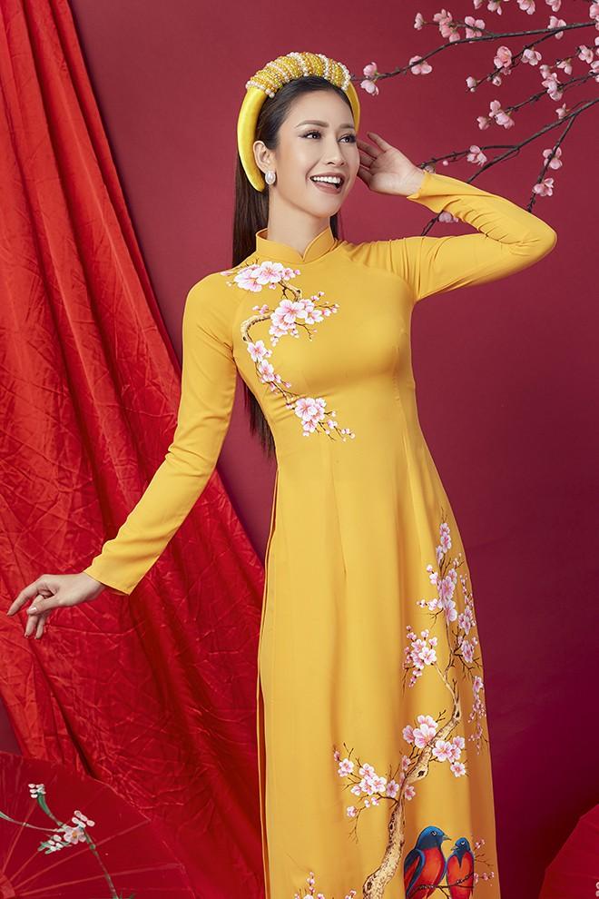 Hoa hậu Phan Thu Quyên khoe nhan sắc xinh đẹp khi diện áo dài  - Ảnh 12.