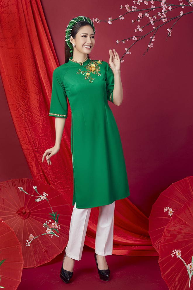Hoa hậu Phan Thu Quyên khoe nhan sắc xinh đẹp khi diện áo dài  - Ảnh 10.