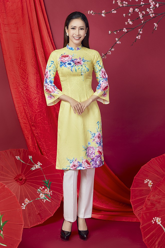 Hoa hậu Phan Thu Quyên khoe nhan sắc xinh đẹp khi diện áo dài  - Ảnh 8.