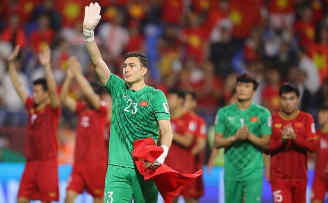 Đội nhà thua đậm, CĐV Trung Quốc mang Việt Nam ra so sánh: Thi đấu như họ mới là bóng đá - Ảnh 1.